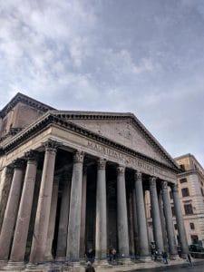 אטרקציות ברומא - הפנתאון מבחוץ - אחד המבנים העתיקים והמרשימים ברומא